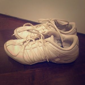Nike cheer shoes 8